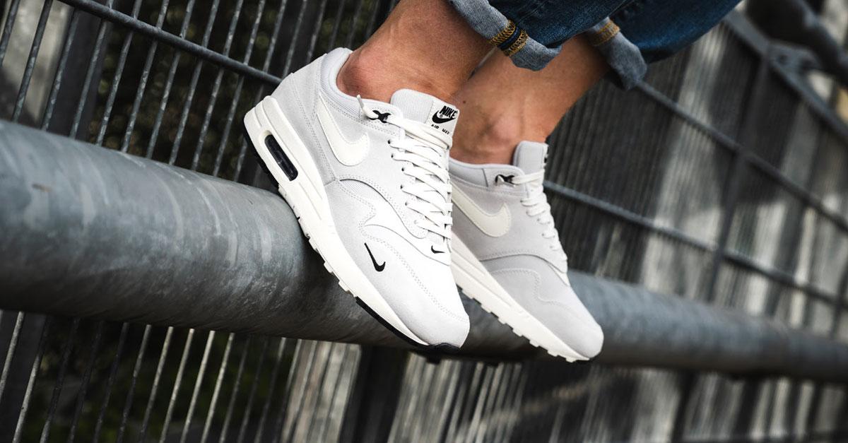 best website dde32 90ffd Nike Air Max 1 Premium Mini Swoosh (875844 006)   Sneakers Magazine