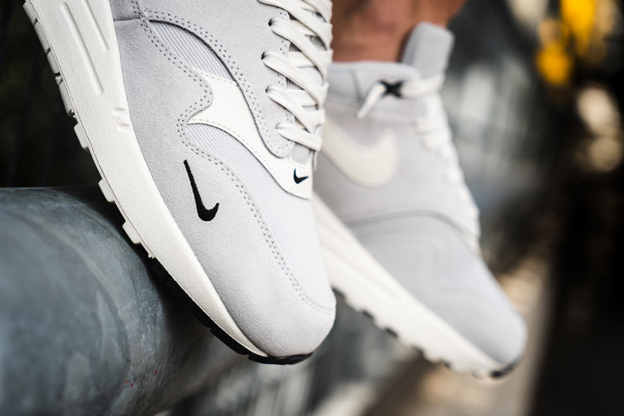 Nike Air Max 1 Premium Mini Swoosh (875844 006) - On feet (Toebox)