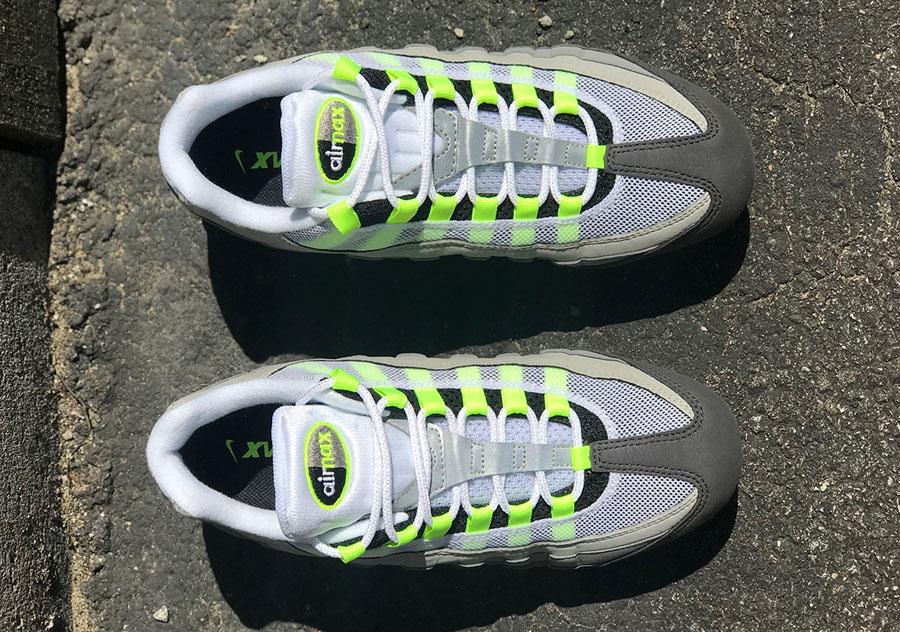 Nike Air VaporMax 95 OG Neon (AJ7292-001) - Top