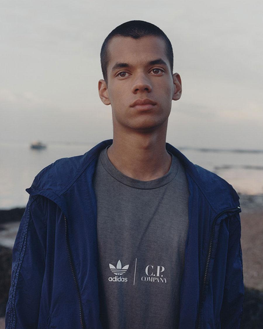 CP Company x adidas T-Shirt Jacket (Mood)