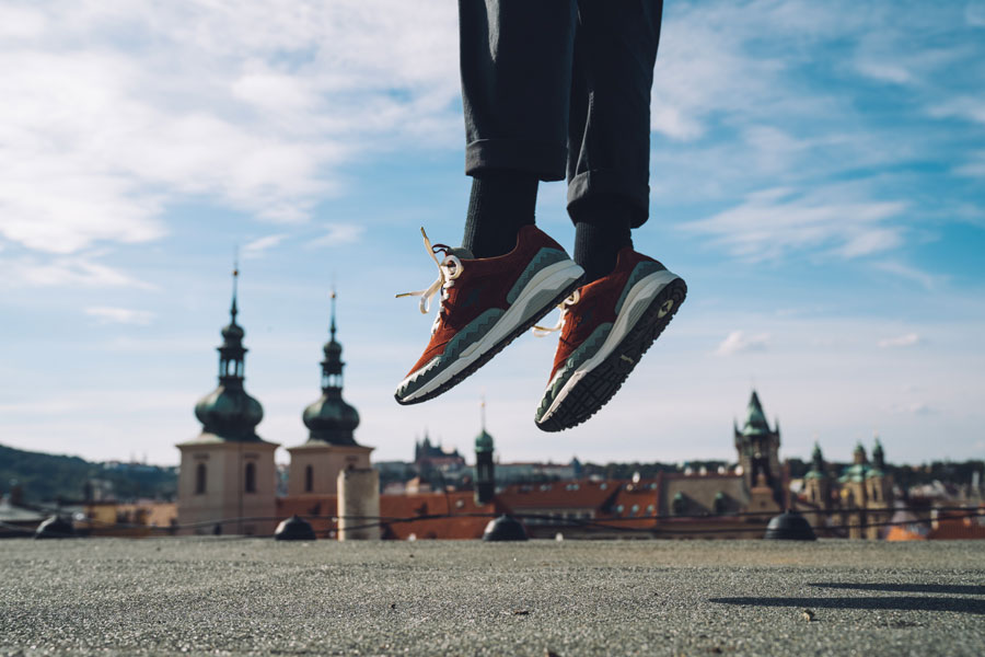 Footshop x KangaROOS Ultimate 3 The City Of A Hundred Spires - On feet (Jump)