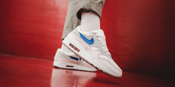 "See the Air Max 1 ""By Day"" & ""By Night"" on Feet"