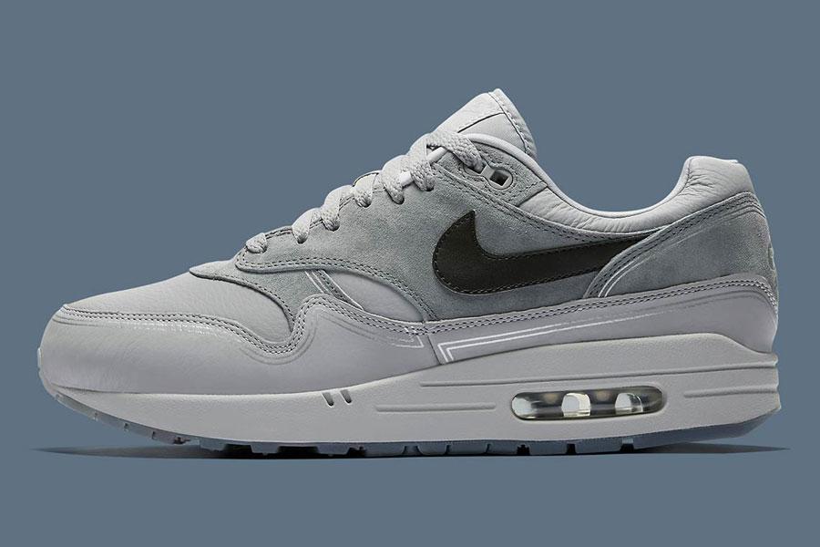Nike Air Max 1 By Night (AV3735-001)