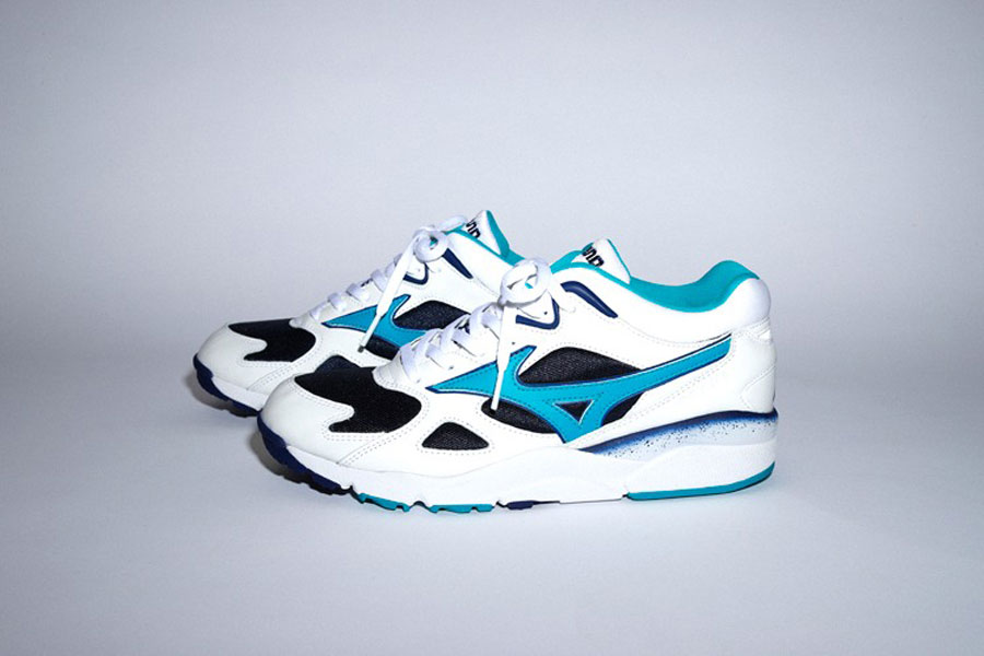 BEAMS x Mizuno Sky Medal TR - Side