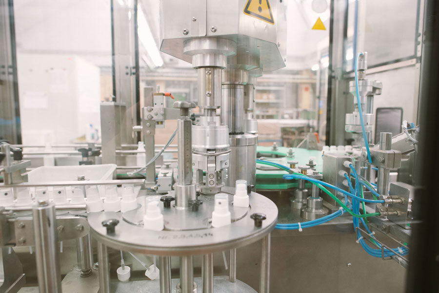 Collonil Carbon - Hikmet Sugoer (Bottling Process)