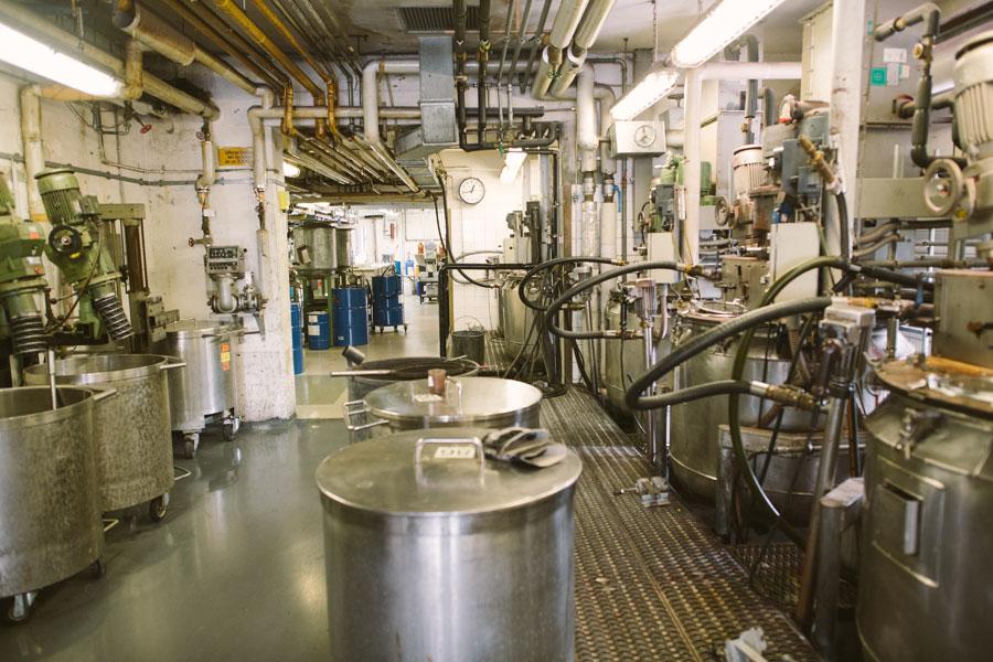Collonil Carbon - Hikmet Sugoer (Stirred-Tank Reactors)
