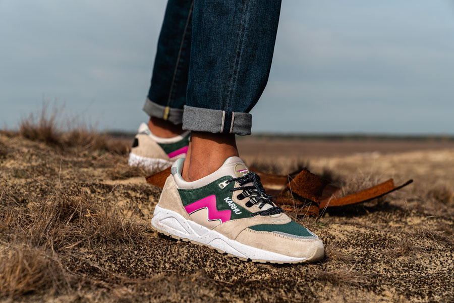 Karhu Winter Pack 2018 - Aria (Peyote June Bug) - On feet