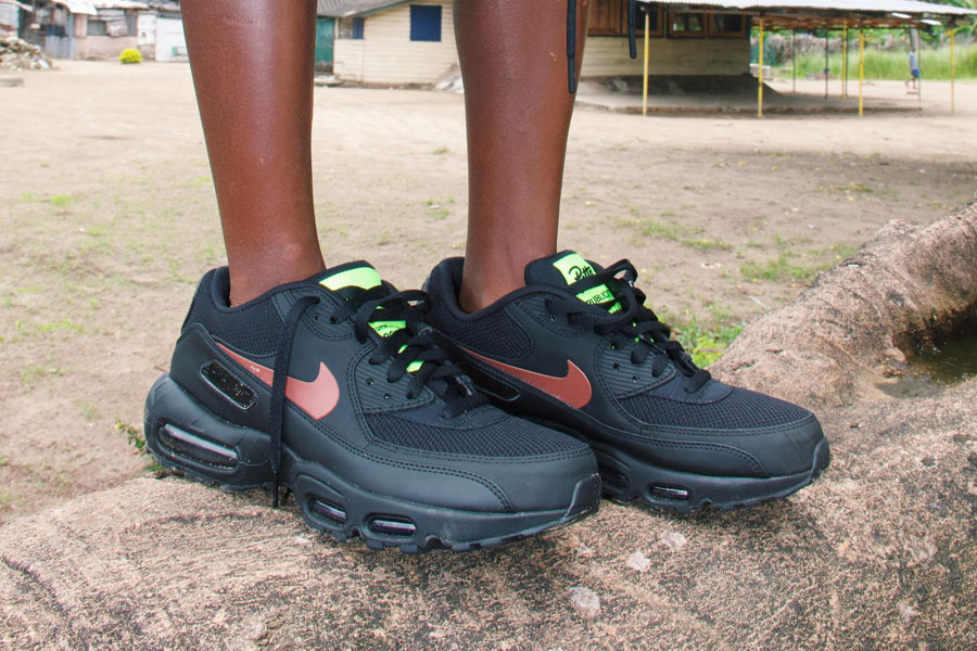NIKE Reveals Air Max 90 Mid Utility For Fall 2015 VIBZN