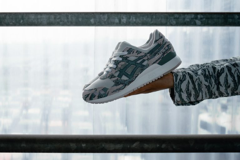 solebox x atmos x ASICSTIGER GEL-LYTE III - Side