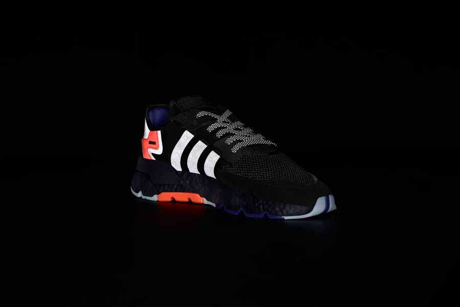adidas NITE JOGGER Core Black Carbon Active Blue (CG7088) - Mood 1