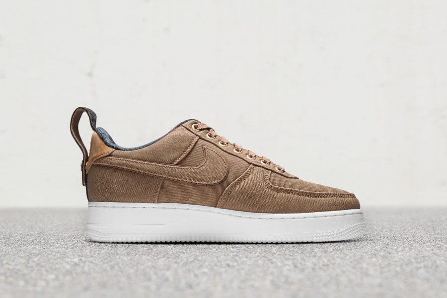 Carhartt WIP x Nike Air Force 1 Low - Right