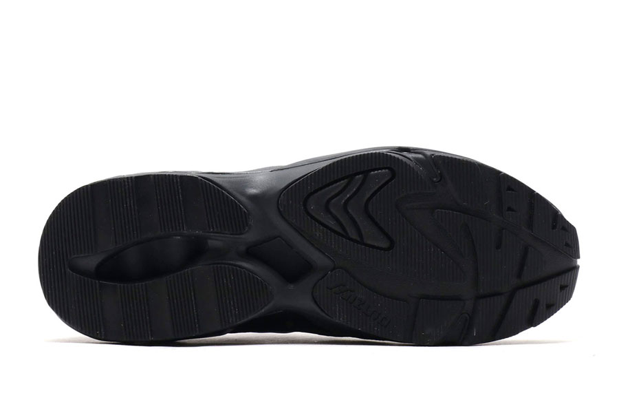 Mizuno Wave Rider 1 Black - Outsole
