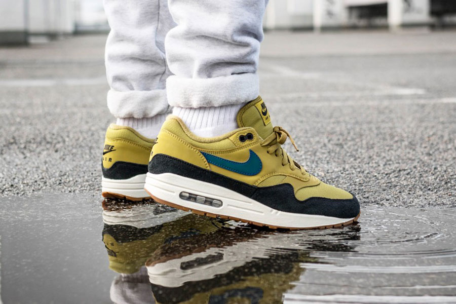 Nike Air Max 1 Holiday Gift Guide 2018 - Golden Moss