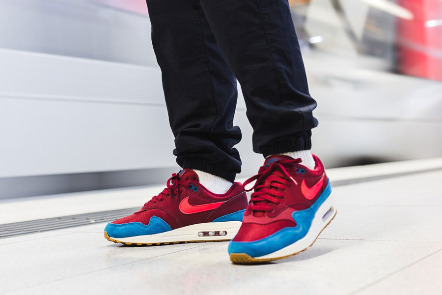 Nike Air Max 1 Holiday Gift Guide 2018 - Team Red