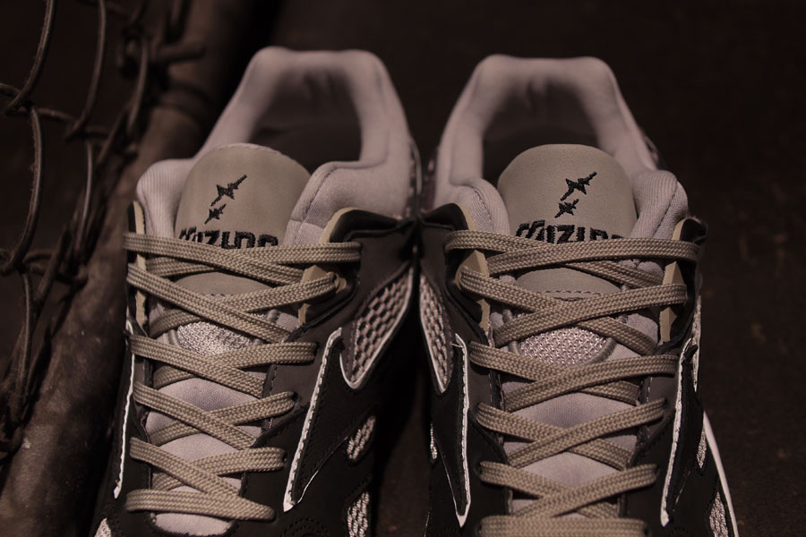 mita sneakers x Whiz Limited x Mizuno Sky Medal Greyscale - Mood 3