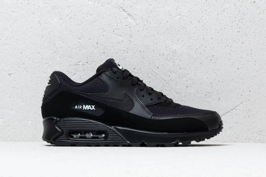 Nike Air Max 90 Essential Black White (AJ1285-019) - Mood 2