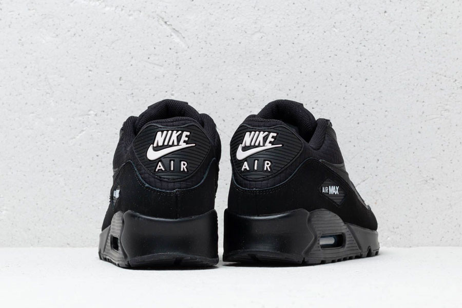Nike Air Max 90 Essential Black White (AJ1285-019) - Mood 5