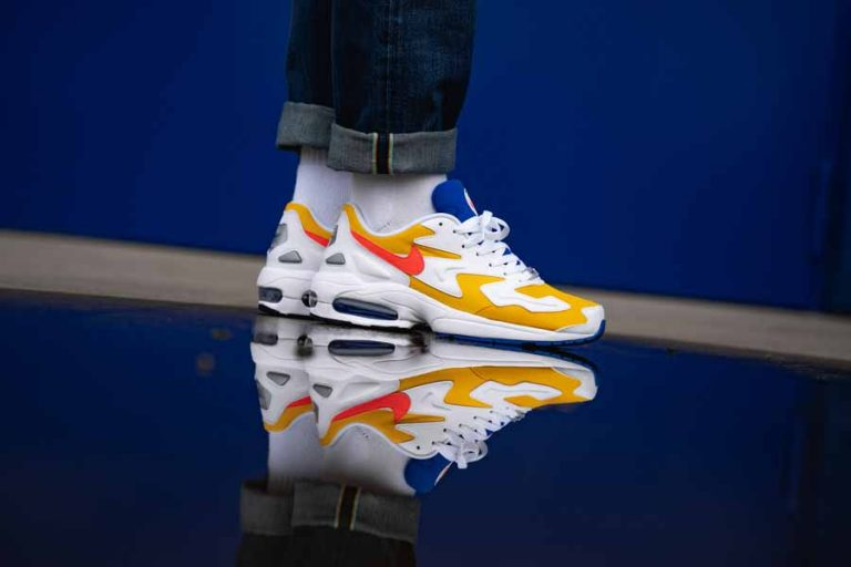 Nike Air Max2 Light University Gold (AO1741 700) - Mood 1