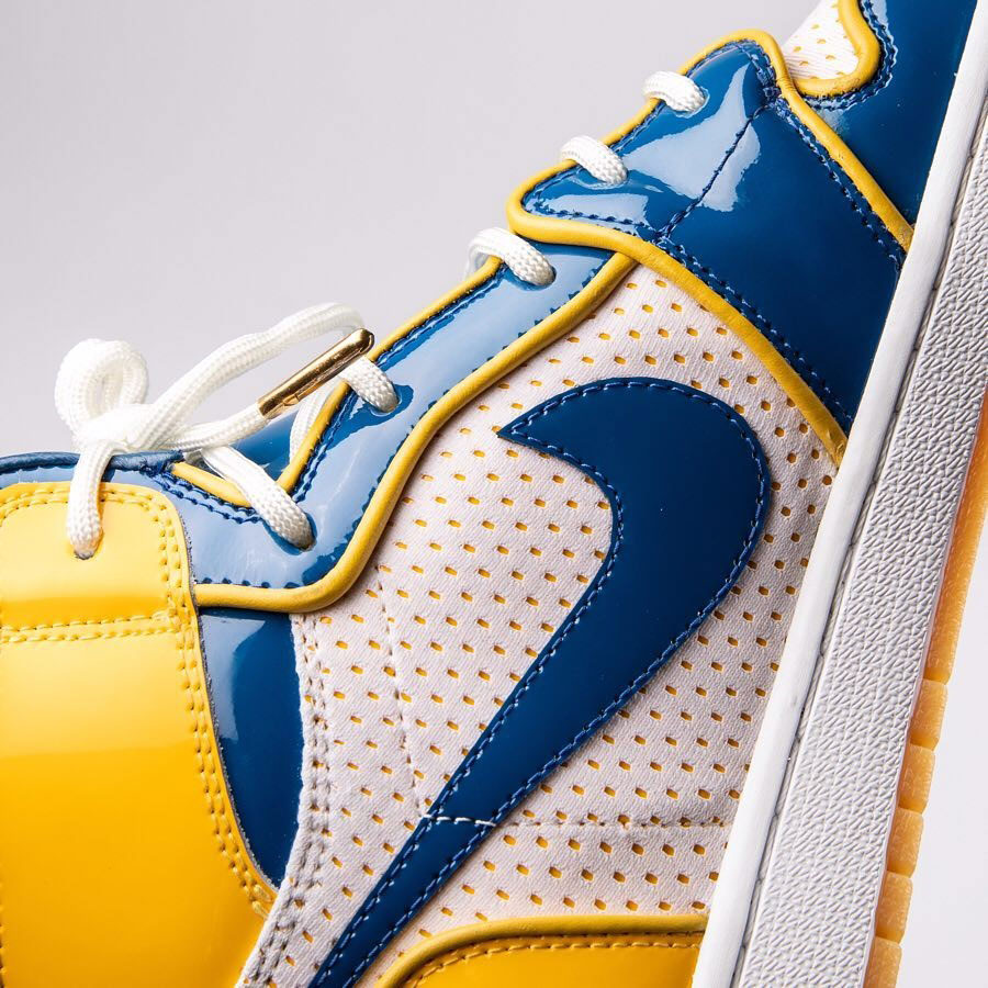 Air Jordan 1 Golden State Warriors Custom by The Shoe Surgeon - Mood 4