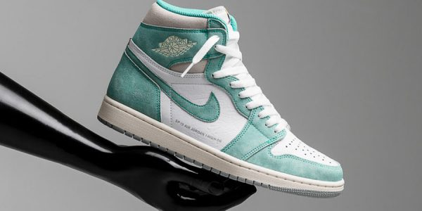 "A Closer Look at the Air Jordan 1 ""Turbo Green"""
