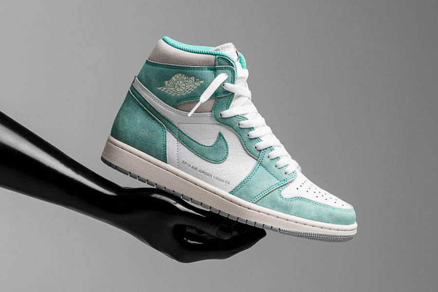 "low priced 8f223 a204b A Closer Look at the Air Jordan 1 ""Turbo Green"""