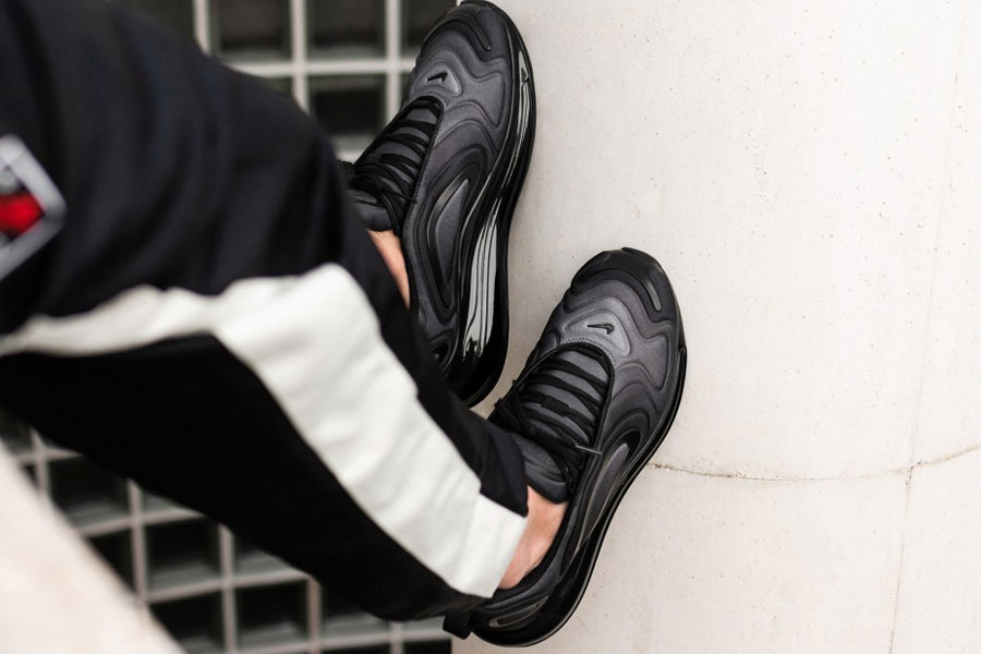Nike Air Max 720 Black Anthracite (AO2924-004) - Mood 3