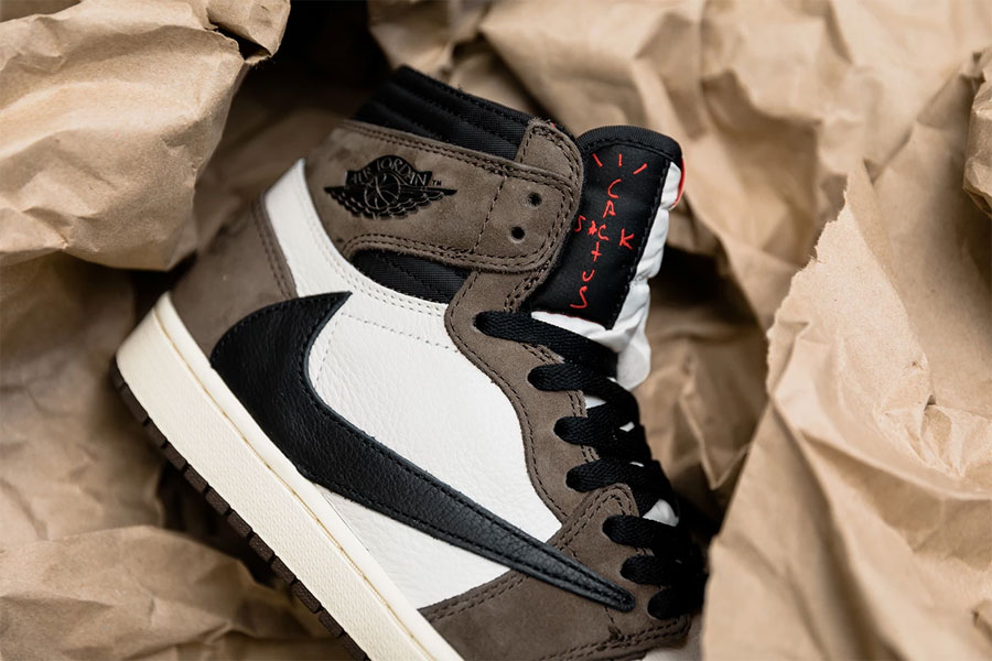 Travis Scott x Nike Air Jordan 1 Retro High OG (CD4487-100) - Mood 5