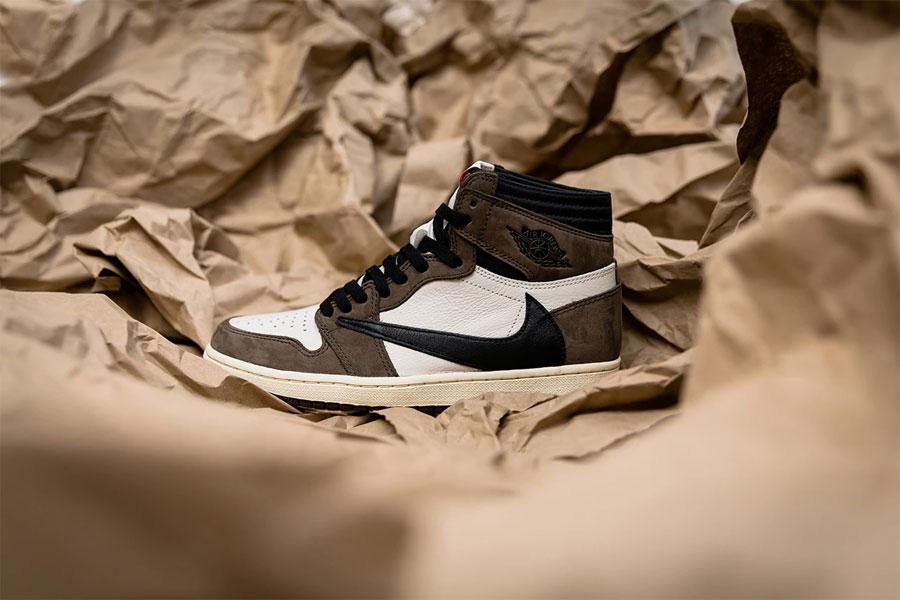Travis Scott x Nike Air Jordan 1 Retro High OG (CD4487-100) - Mood 6