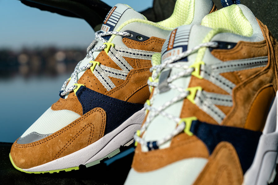 Karhu Catch of the Day Pack - Fusion 2.0 Buckthorn Brown Blue Flower (Mood 1)