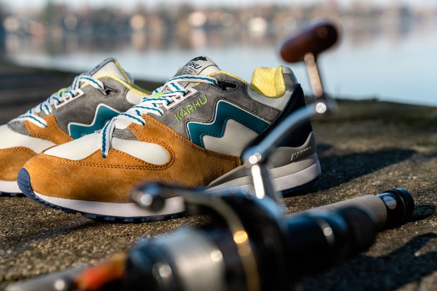 Karhu Catch of the Day Pack - Synchron Classic Buckthorn Brown Ocean Depths (Mood 1)