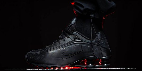 "The Nike Shox R4 Is Available in ""Triple Black"""