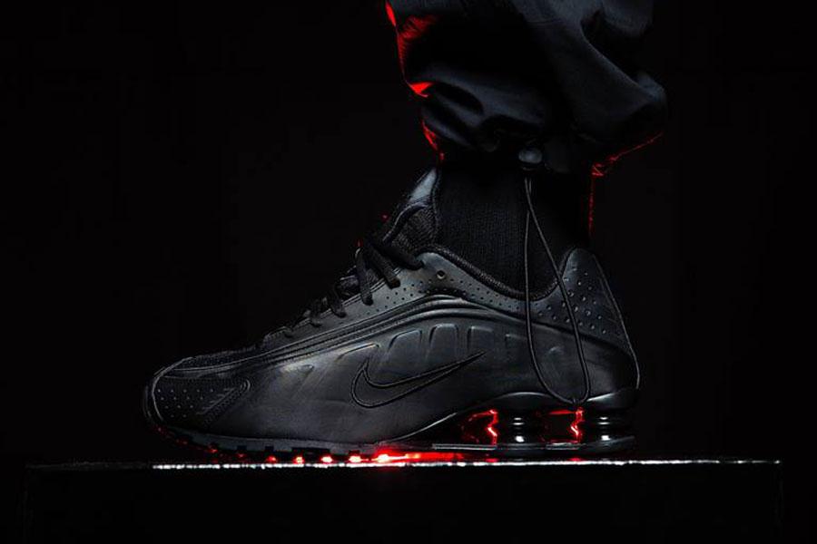 Nike Shox R4 Triple Black (BV1111-001) - Mood