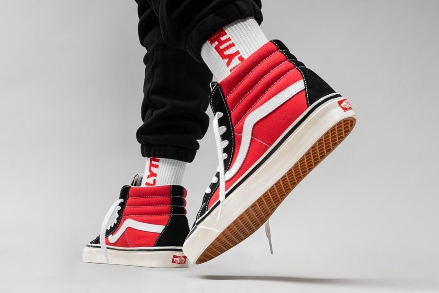 VANS Sk8-Hi 38 DX Anaheim Factory (OG Black / Red) - Mood 3