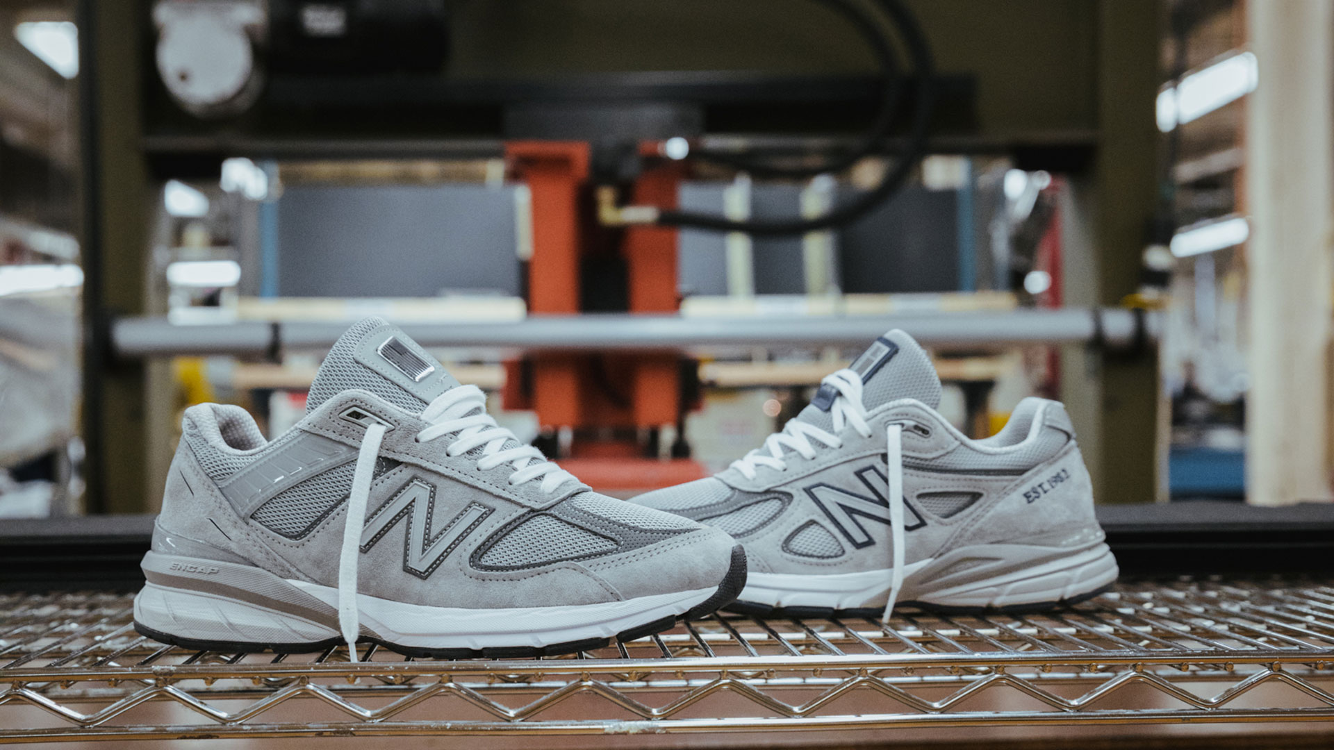New Balance 990V5 - Boston (Slider)