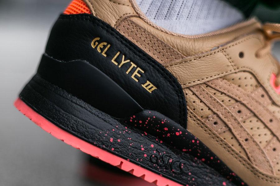 Sneaker Freaker x ASICS GEL-LYTE III Tiger Snake - Mood 2