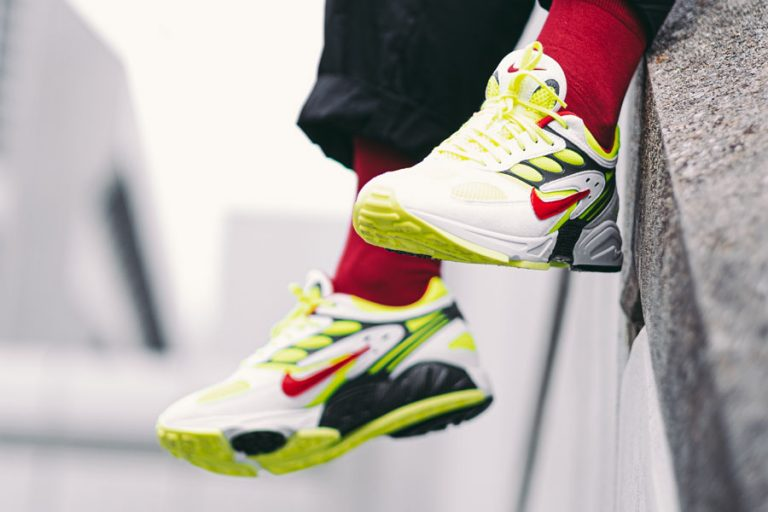 Nike Air Ghost Racer Neon Yellow (AT5410-100) - Mood 1