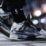 Air Jordan 4 Levis (On Foot)