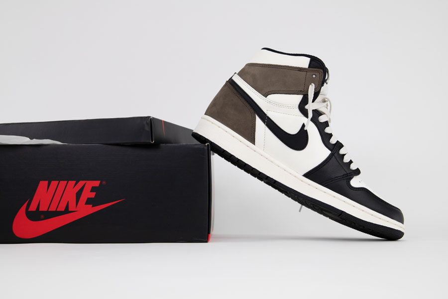 Air Jordan 1 High Retro Dark Mocha - 1